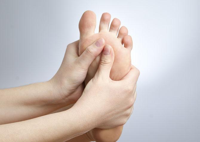 Болит около ногтя большого пальца ноги лечение thumbnail