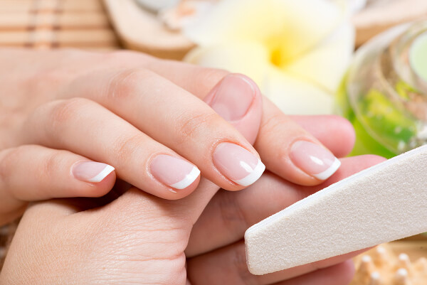 почему трескается кожа под ногтями