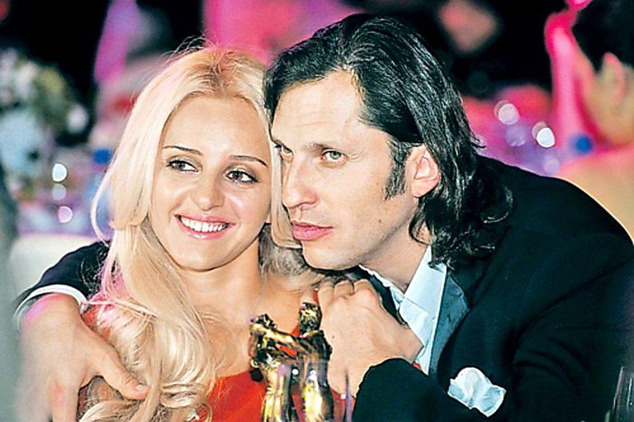 Супруги Александр и Анжелика Реввы