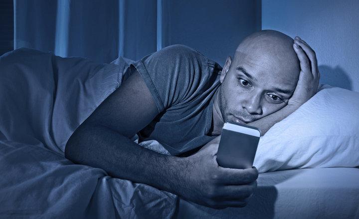 К чему снится телефонный звонок от умершего человека?