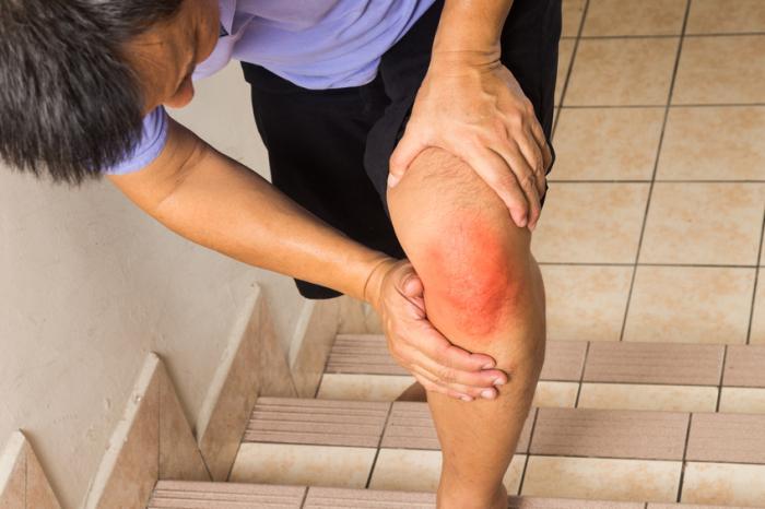 боли в коленях при подъеме по лестнице