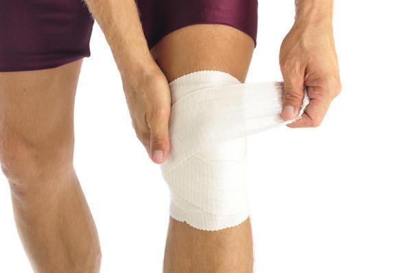 болит колено при подъеме по лестнице лечение