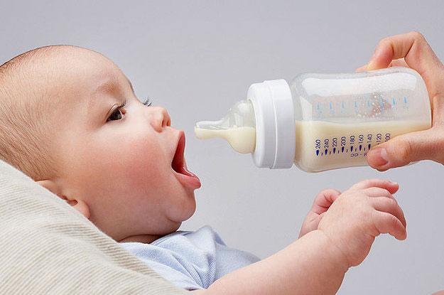 Предложите малышу полезную смесь