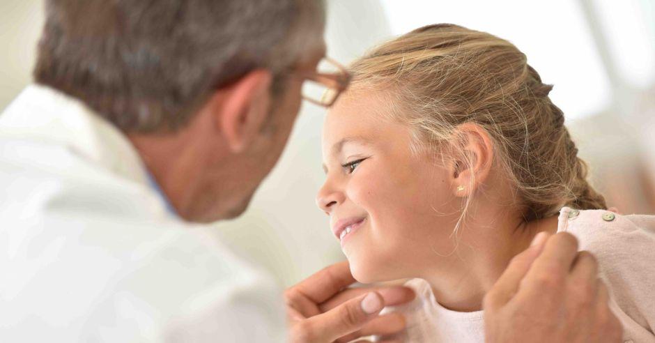 как вскрывают свищ на десне у ребенка