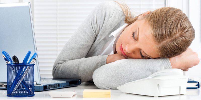 почему после дневного сна болит голова и повышается давление
