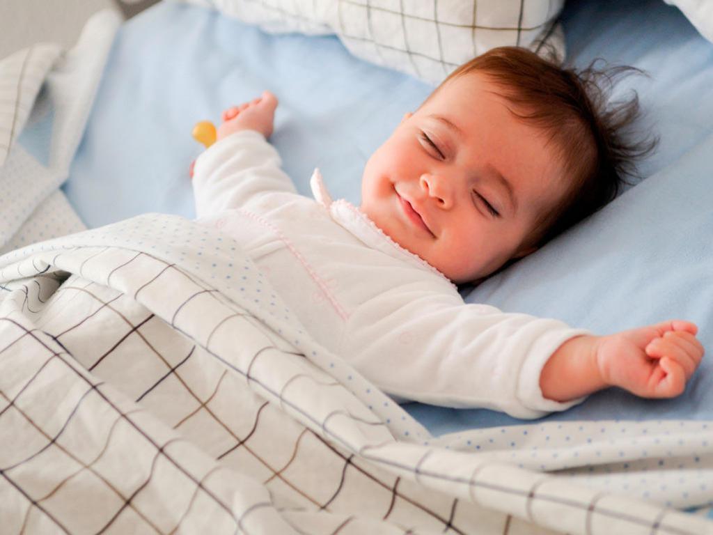 Поза для сна новорожденного после кормления