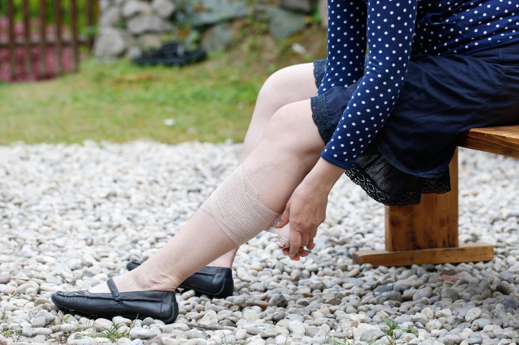 пульсирующая вена на ноге что делать