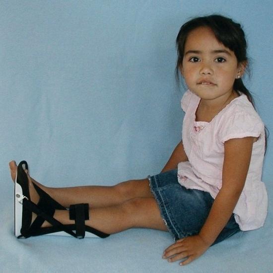 Фиксация стопы ребенка