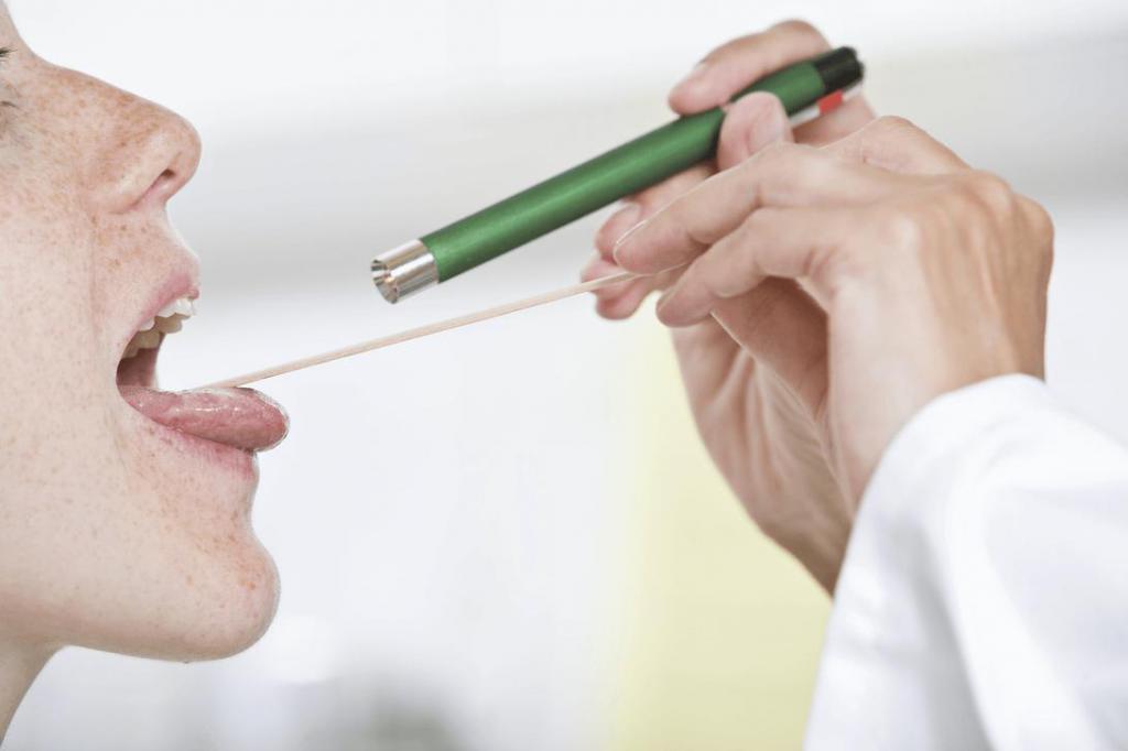 Осмотр больного при гриппе
