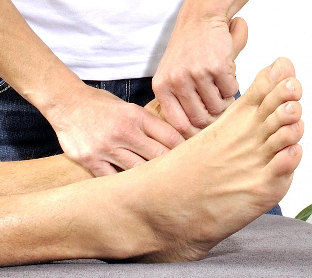 Массаж голеностопного сустава при реабилитации