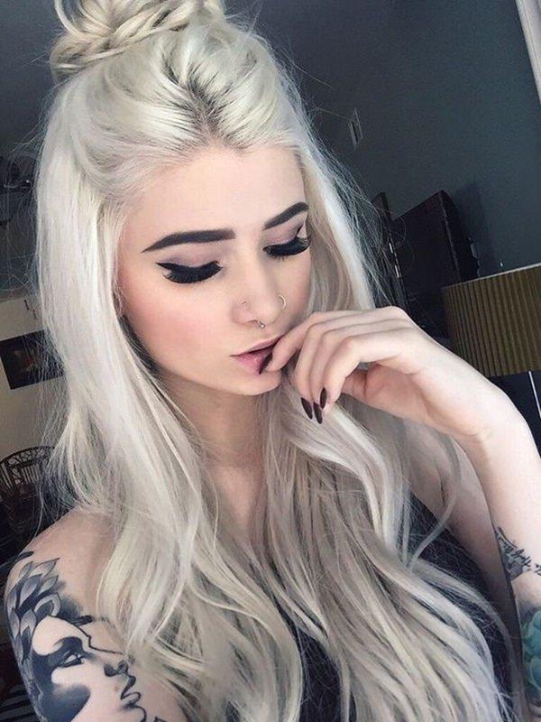 Блондинка во сне видит себя брюнеткой thumbnail
