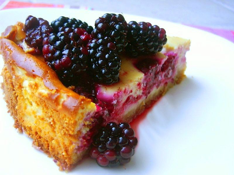 творожный пирог с ягодами