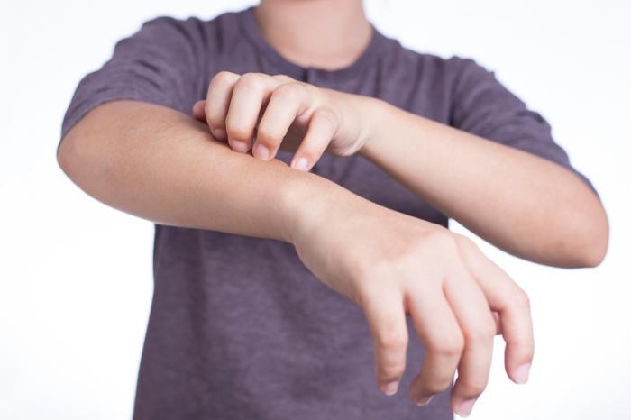 сыпь на плечах и предплечьях