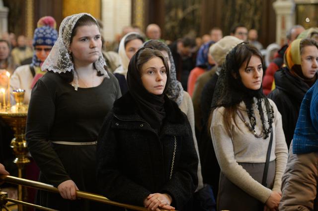 Девушки в храме