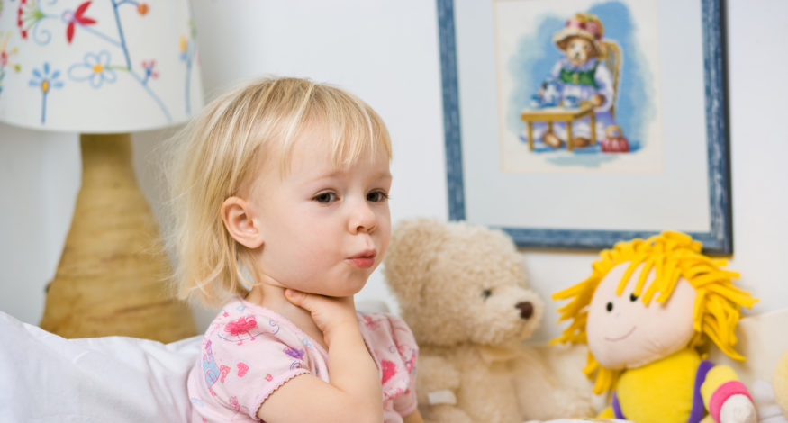 болит горлышко у ребенка