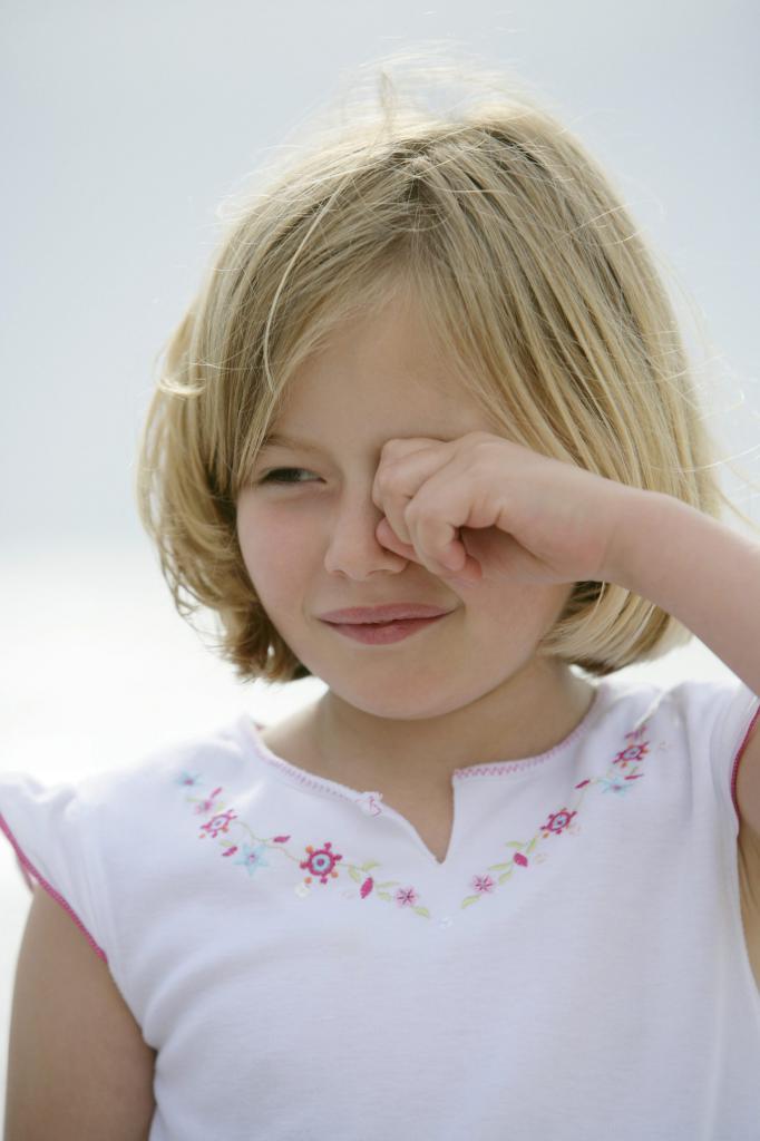 Отек лица у ребенка при температуре thumbnail