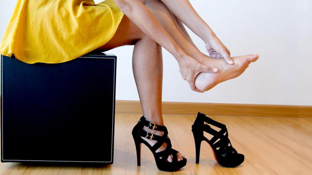 болит пятка на ноге - симптомы