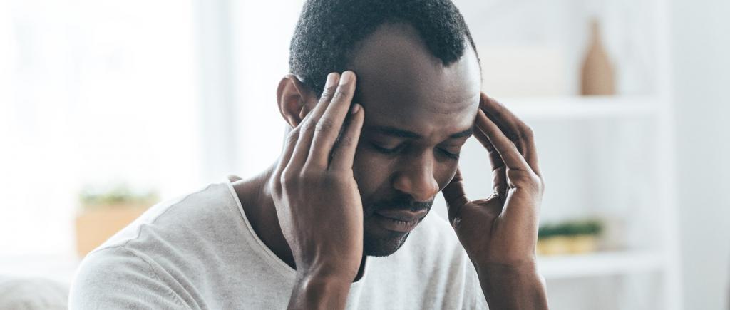 заложен нос и уши болит голова
