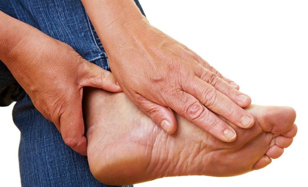 Боль в ноге при подагре
