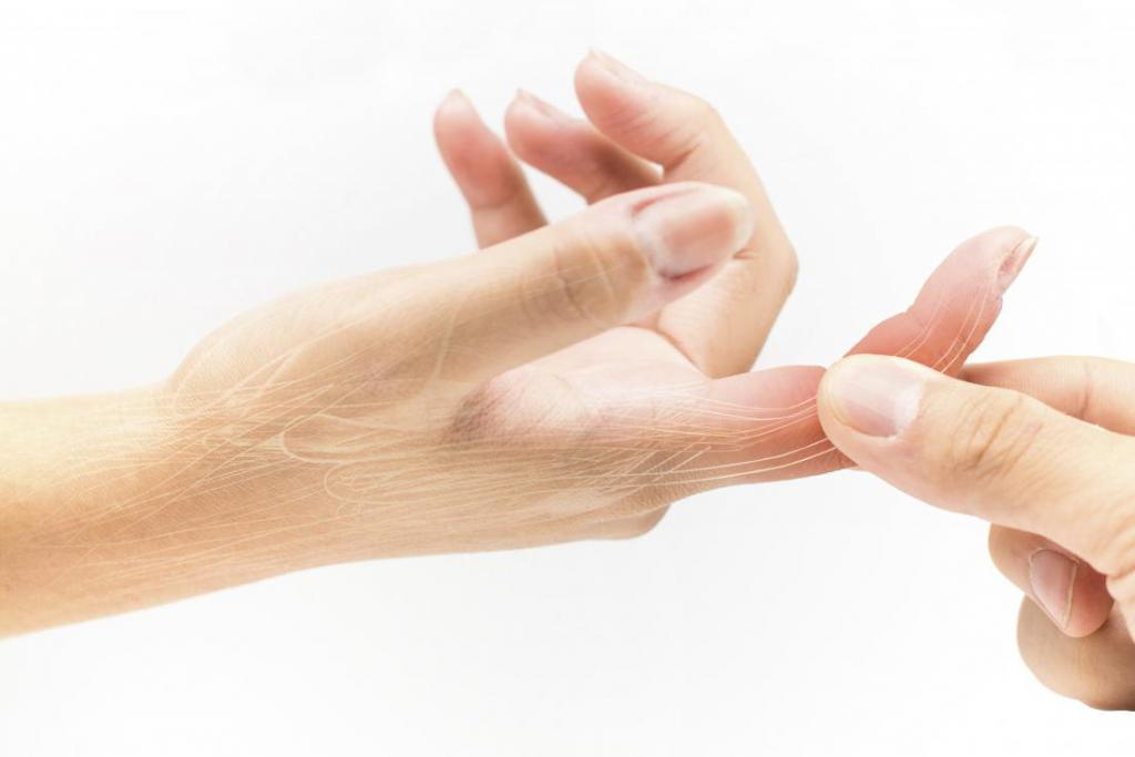Как вылечить синий палец thumbnail