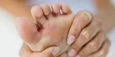 болит кожа на ноге при прикосновении