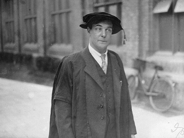 """Гений и его """"Крыся"""": почему один из лучших физиков 20 века Петр Капица не мог дышать без жены"""