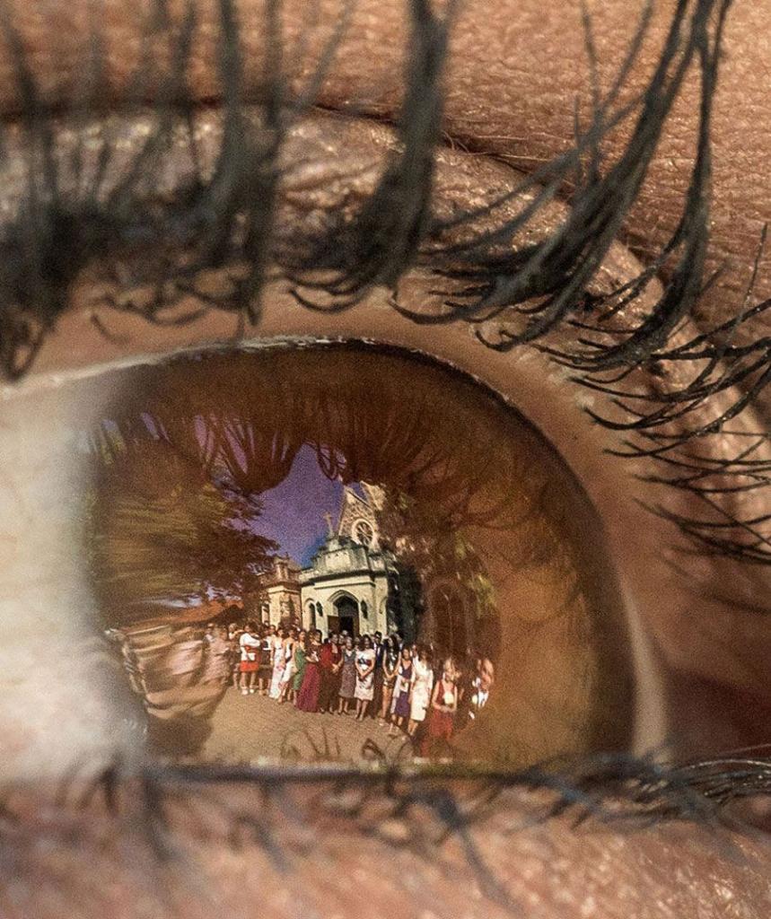 картинка отражение глаз роль играет