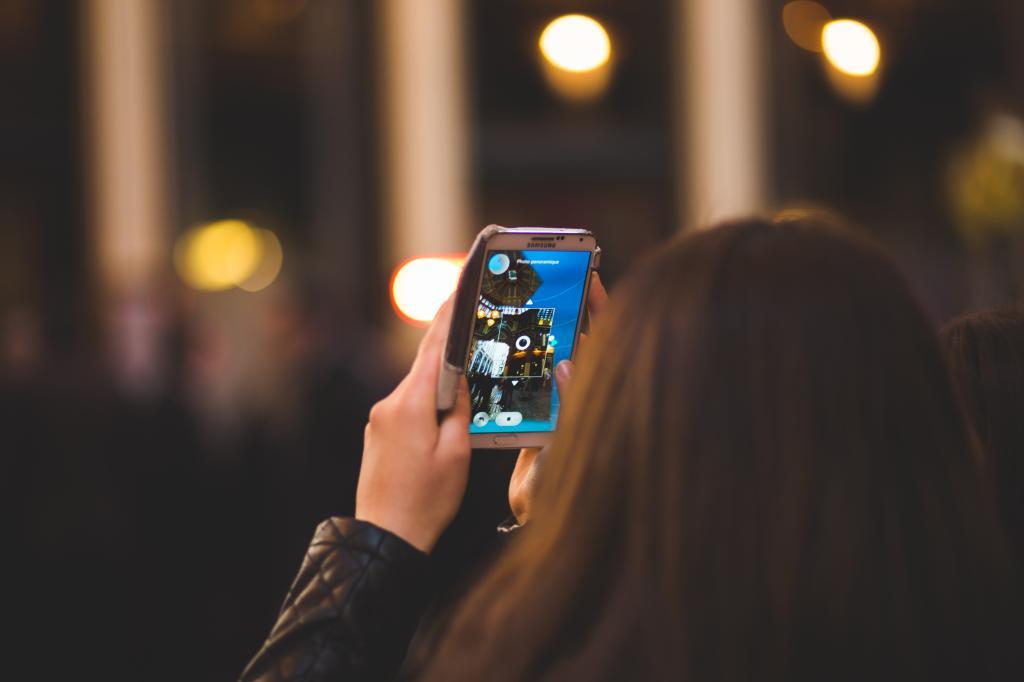 Смартфон с двумя батареями фото привлекательная