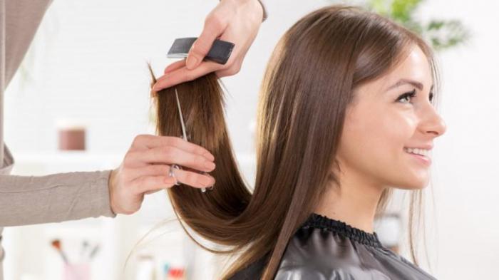 нужно ли обрезать кончики волос