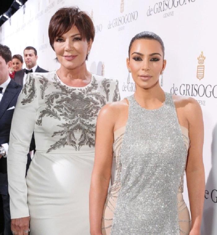 10 самых красивых мам мировых знаменитостей: Селена Гомес со своей мамой похожи как две капли воды