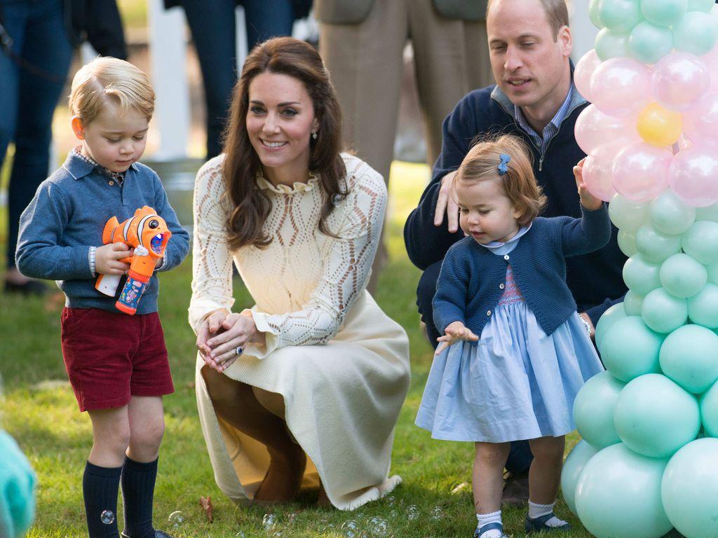 Кейт Миддлтон и принц Уильям не имеют полной опеки над детьми. Эту роль выполняет королева