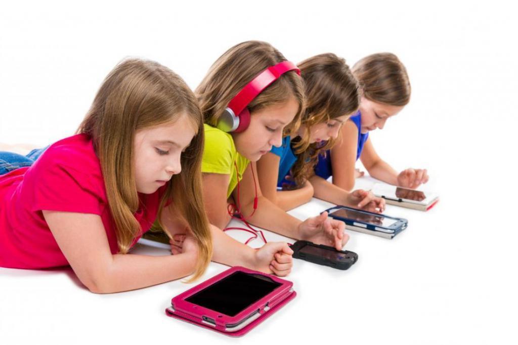 Спустя 14 лет исследований ученые наконец рассказали о том, как смартфон влияет на ребенка