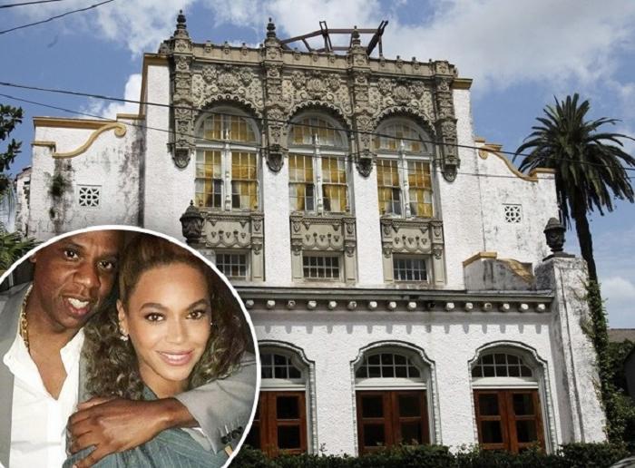 В каких домах живут голливудские звезды? Наоми Кэмпбелл - в экологическом доме в форме глаза