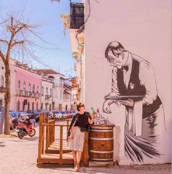 Штраф человеку, который не уступил место. Россиянка прожила в Португалии несколько лет и рассказала о законах и привычках граждан, которые поразили ее больше всего