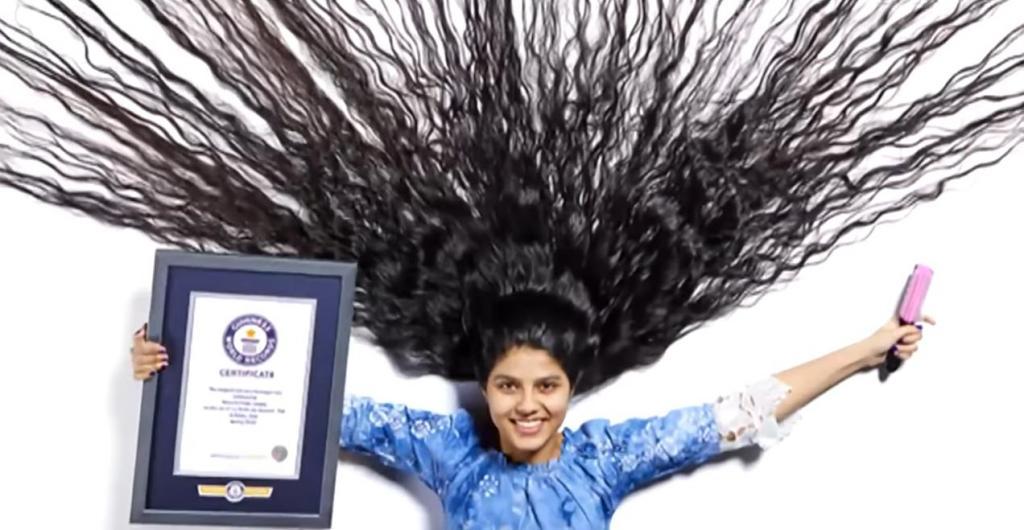 16-летняя девочка стала подростком с самыми длинными волосами в мире. Она отращивала косу 10 лет