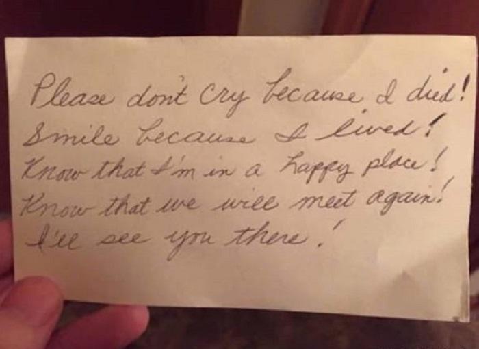 После того, как не стало любимой жены, вдовец нашел в ее портмоне трогательное письмо