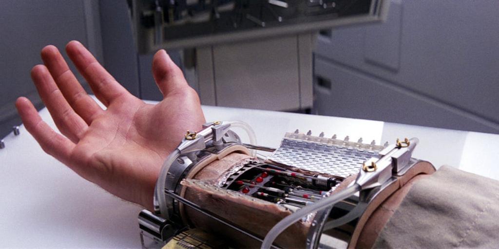 Бионическая рука, которая управляется сигналами мозга, может выполнять самые различные команды человека