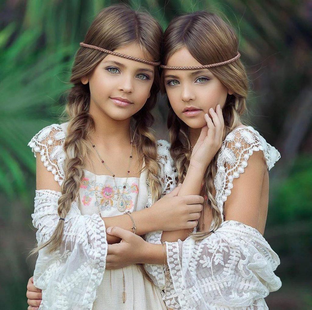 Картинка как одна девочка красивей другой