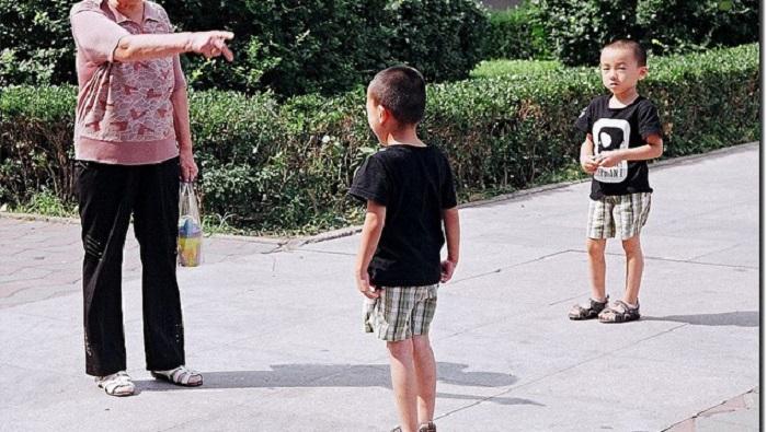 На первом родительском собрании нам рассказали, как сделать ребенка счастливым. Во-первых, надо быть счастливой самой