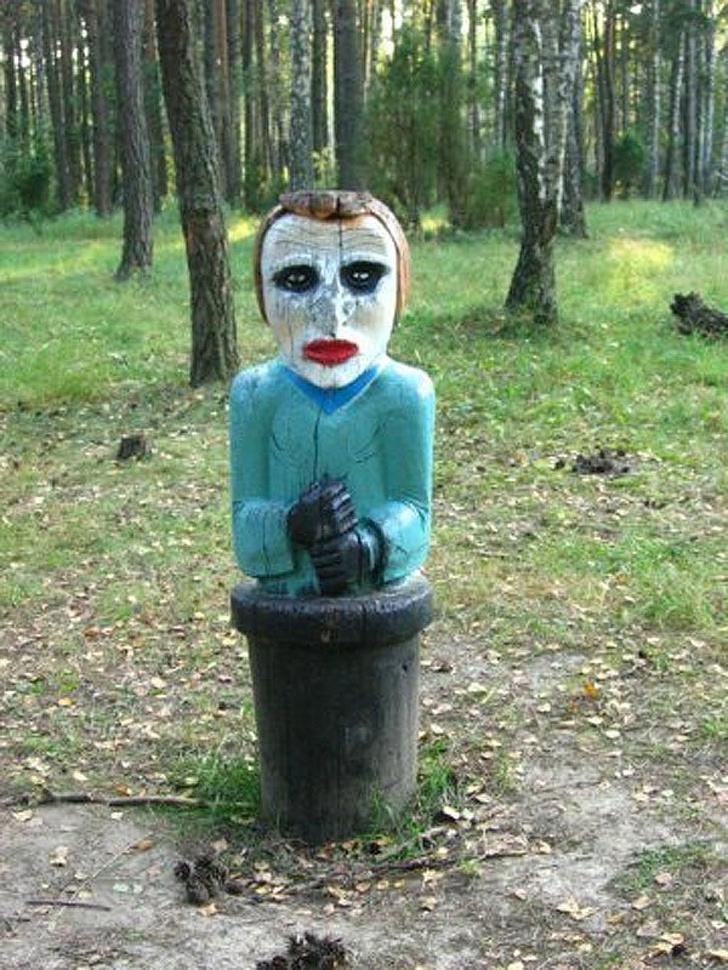 """Самые """"веселые и красочные"""" детские площадки со всей России: с чем ежедневно сталкиваются наши маленькие дети"""