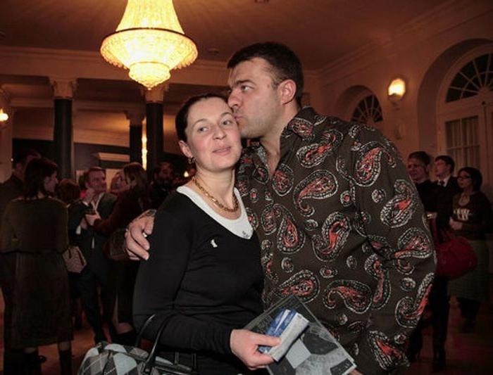 Хабенский, черешня и венчание: как в жизни Пореченкова появилась третья жена, живущая в тени звездного мужа
