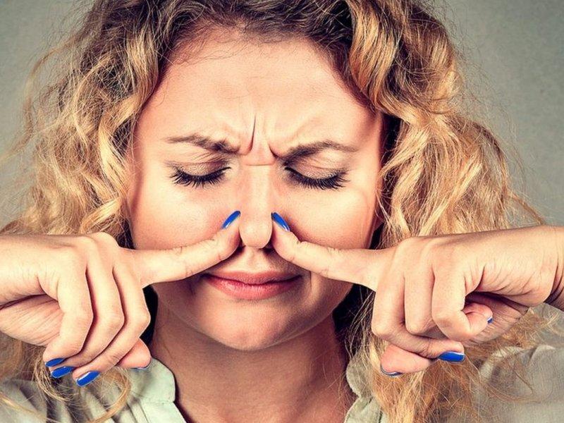Устала бороться с неприятным запахом тела. Соседка-медик посоветовала есть сельдерей и еще 6 продуктов