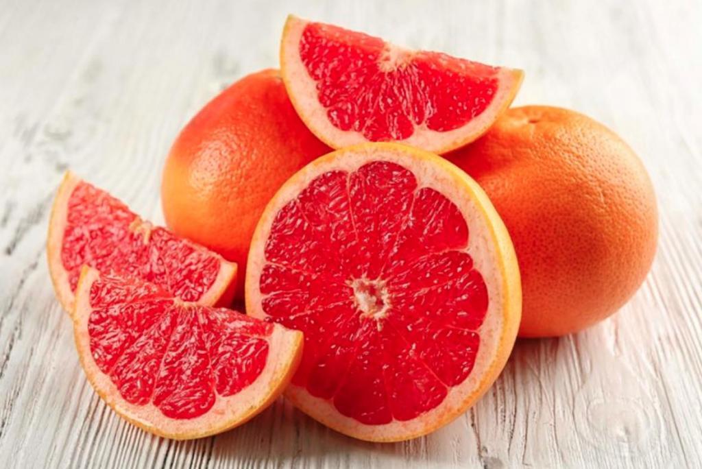 Ела грейпфруты и похудела