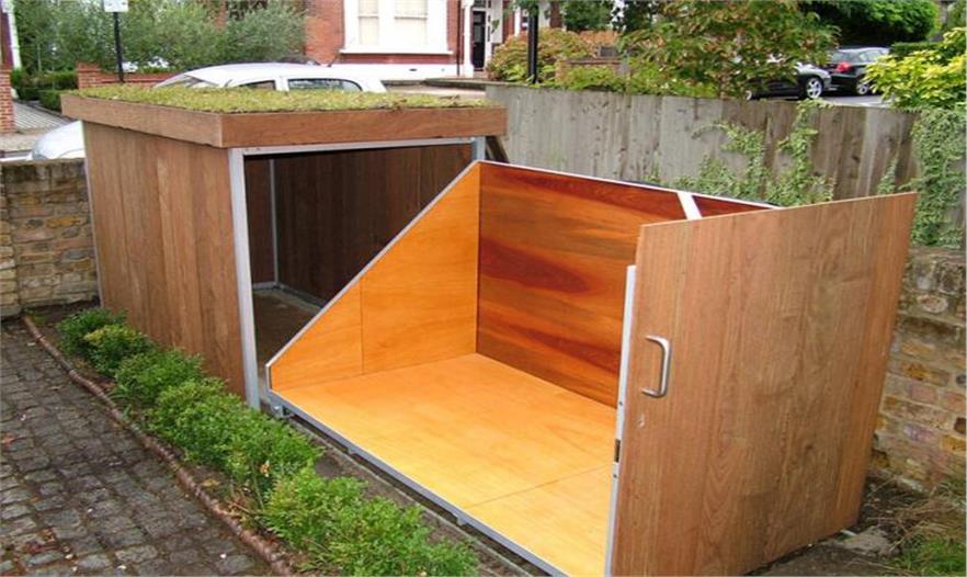 Сосед построил мини-гараж. Я долго ломала голову над его предназначением: ответ оказался прост