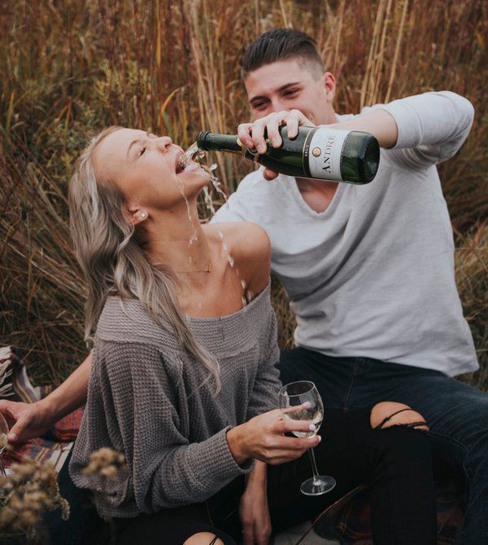 Пара захотела повторить романтичный снимок с Pinterest, но вышло очень смешно