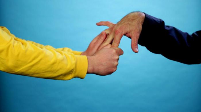 Рукопожатие мужчины и женщины психология