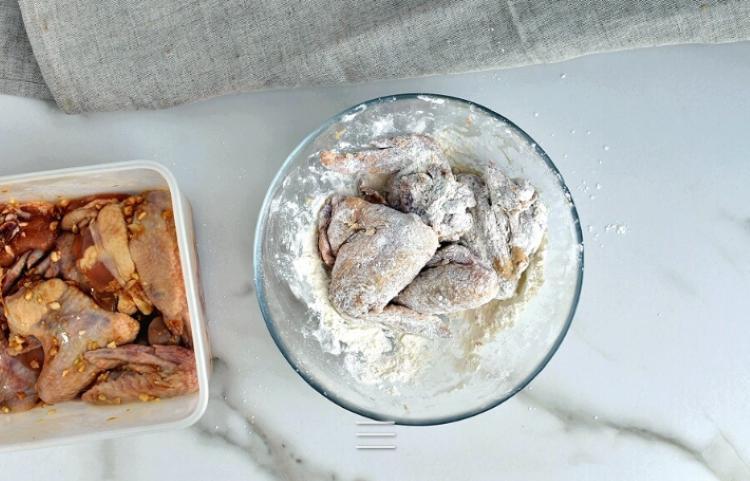 Подруга поделилась очень вкусным китайским рецептом: куриные жареные крылышки