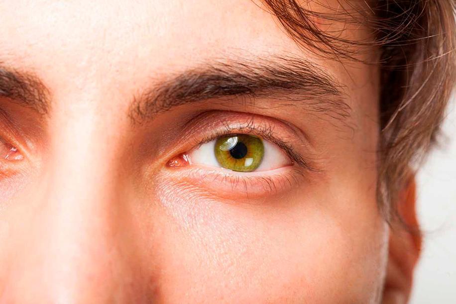 сложные мужские карие глаза фото городе москва