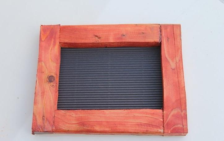 Как сделать красивую рамку для фотографий из старых деревянных брусков