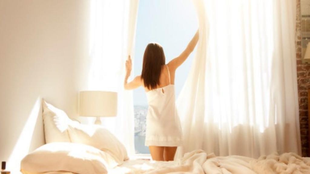Как превратить пробуждение в приятный ритуал. Эксперты назвали пять уловок для легкого утра
